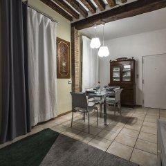 Отель Tiepolo Rialto Apartment R&R Италия, Венеция - отзывы, цены и фото номеров - забронировать отель Tiepolo Rialto Apartment R&R онлайн комната для гостей фото 4