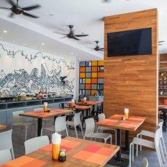 Отель The Crib Patong гостиничный бар