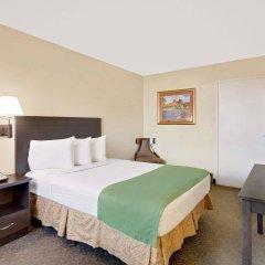 Отель Howard Johnson by Wyndham Las Vegas near the Strip США, Лас-Вегас - отзывы, цены и фото номеров - забронировать отель Howard Johnson by Wyndham Las Vegas near the Strip онлайн комната для гостей фото 4