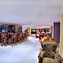 Lady Diana Hotel гостиничный бар