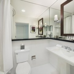 Luxe Hotel Rodeo Drive ванная
