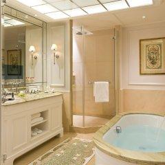 Отель Beau-Rivage Palace ванная фото 2