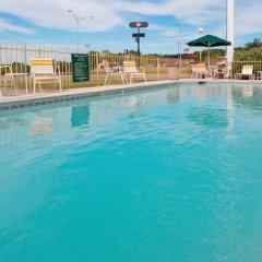 Отель La Quinta Inn & Suites Meridian бассейн фото 2