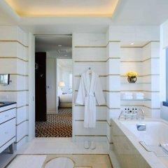Отель Waldorf Astoria Beverly Hills Беверли Хиллс в номере