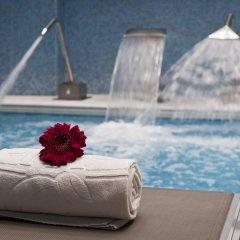 Отель Holiday Inn Porto Gaia Вила-Нова-ди-Гая бассейн