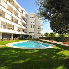 Отель HomeHolidaysRentals Apartamento Canet Playa l - Costa Barcelona бассейн фото 3
