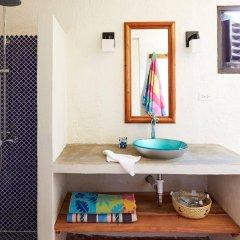 Отель Jakes Hotel Ямайка, Треже-Бич - отзывы, цены и фото номеров - забронировать отель Jakes Hotel онлайн ванная фото 2
