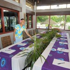 Отель Treasure Island Resort банкомат