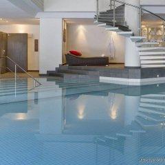 Отель HUUS Gstaad Швейцария, Занен - отзывы, цены и фото номеров - забронировать отель HUUS Gstaad онлайн бассейн