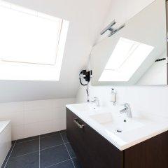 Отель Smartflats Design - Opera Бельгия, Льеж - отзывы, цены и фото номеров - забронировать отель Smartflats Design - Opera онлайн ванная