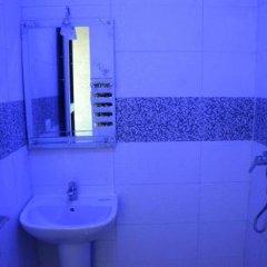 Отель Hôtel Biarritz Марокко, Танжер - отзывы, цены и фото номеров - забронировать отель Hôtel Biarritz онлайн ванная фото 2