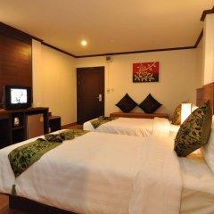 Hemingways Hotel сейф в номере