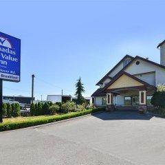 Отель Canadas Best Value Inn Langley Лэнгли вид на фасад