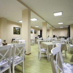 Отель Aparthotel Forest Glade Болгария, Чепеларе - отзывы, цены и фото номеров - забронировать отель Aparthotel Forest Glade онлайн помещение для мероприятий фото 2