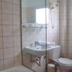 Отель Bretagne Греция, Корфу - 4 отзыва об отеле, цены и фото номеров - забронировать отель Bretagne онлайн ванная