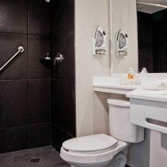 Отель City Express La Raza Мехико ванная
