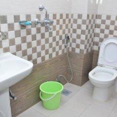 Отель Lekali Homes Непал, Катманду - отзывы, цены и фото номеров - забронировать отель Lekali Homes онлайн ванная