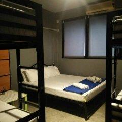 Отель Din Space Bangkok сейф в номере