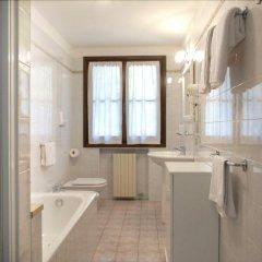 Отель Agriturismo Villa Selvatico Италия, Вигонца - отзывы, цены и фото номеров - забронировать отель Agriturismo Villa Selvatico онлайн ванная фото 2