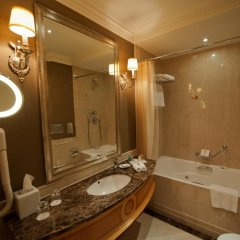 Гостиница Донбасс Палас ванная фото 2