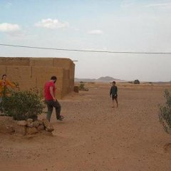 Отель Dar el Khamlia Марокко, Мерзуга - отзывы, цены и фото номеров - забронировать отель Dar el Khamlia онлайн спортивное сооружение