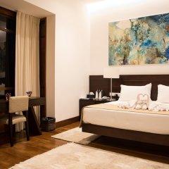 Отель The Villa by Contemporary Ceylon сейф в номере