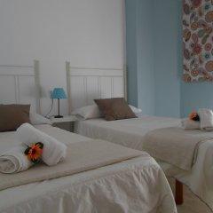 Отель Hostel Conil Испания, Кониль-де-ла-Фронтера - отзывы, цены и фото номеров - забронировать отель Hostel Conil онлайн комната для гостей фото 3