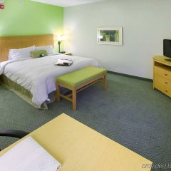 Отель Hampton Inn Suites Sarasota/Bradenton Airport комната для гостей