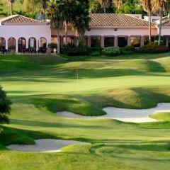 Отель Los Monteros Spa & Golf Resort спортивное сооружение