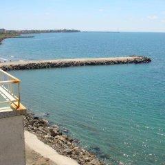 Отель Еви 1 Болгария, Поморие - отзывы, цены и фото номеров - забронировать отель Еви 1 онлайн пляж фото 2