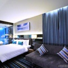 Отель The Continent Bangkok by Compass Hospitality Таиланд, Бангкок - 1 отзыв об отеле, цены и фото номеров - забронировать отель The Continent Bangkok by Compass Hospitality онлайн комната для гостей фото 2