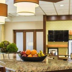 Отель Hampton Inn Meridian в номере