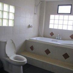 Апартаменты Rouge Service Apartment Паттайя ванная фото 2