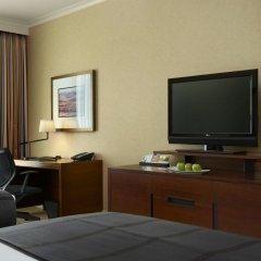 Отель Hyatt Regency Calgary Канада, Калгари - отзывы, цены и фото номеров - забронировать отель Hyatt Regency Calgary онлайн удобства в номере фото 2