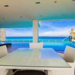 Отель The View Cosy Beach by Pattaya Sunny Rentals гостиничный бар