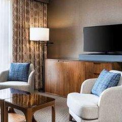 Отель Sheraton Toronto Airport Hotel & Conference Centre Канада, Торонто - отзывы, цены и фото номеров - забронировать отель Sheraton Toronto Airport Hotel & Conference Centre онлайн удобства в номере фото 2