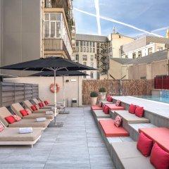 Отель Catalonia Square Испания, Барселона - 4 отзыва об отеле, цены и фото номеров - забронировать отель Catalonia Square онлайн бассейн фото 2