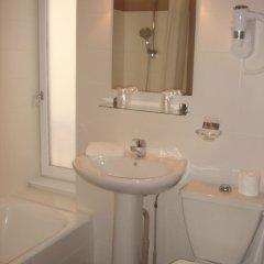 Отель Le Tête d'Or Франция, Лион - отзывы, цены и фото номеров - забронировать отель Le Tête d'Or онлайн ванная фото 2
