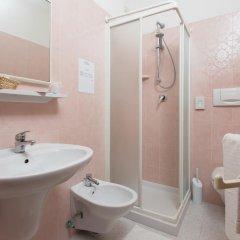 Отель Emilia Италия, Римини - отзывы, цены и фото номеров - забронировать отель Emilia онлайн ванная