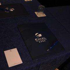 Отель Excel Milano 3 Базильо сейф в номере