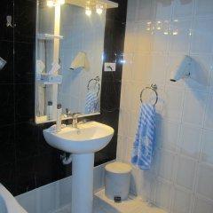 2x2 Cinema-Bar Hotel & Tours ванная