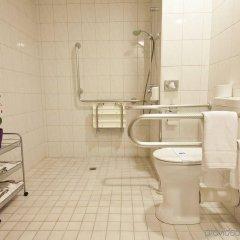 Отель NOVINA HOTEL Südwestpark Nürnberg Германия, Нюрнберг - 1 отзыв об отеле, цены и фото номеров - забронировать отель NOVINA HOTEL Südwestpark Nürnberg онлайн ванная