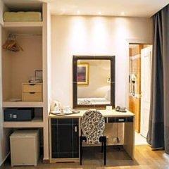 Отель Piraeus Dream сейф в номере