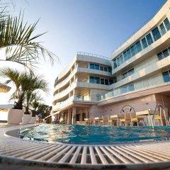 Hotel SANREMO by UNDERSUN бассейн фото 2