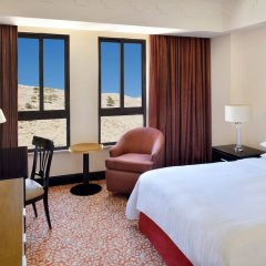 Отель Petra Marriott Hotel Иордания, Вади-Муса - отзывы, цены и фото номеров - забронировать отель Petra Marriott Hotel онлайн комната для гостей фото 2