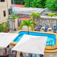 Отель Phratamnak Inn бассейн