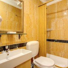 Отель Caravaggio Италия, Рим - 9 отзывов об отеле, цены и фото номеров - забронировать отель Caravaggio онлайн ванная фото 2