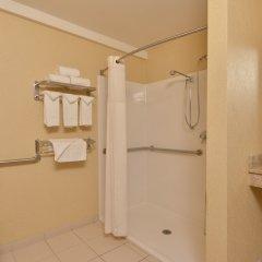 Отель Comfort Inn & Suites Las Vegas - Nellis США, Лас-Вегас - отзывы, цены и фото номеров - забронировать отель Comfort Inn & Suites Las Vegas - Nellis онлайн ванная