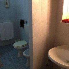 Hotel Archimede Ortigia Сиракуза ванная