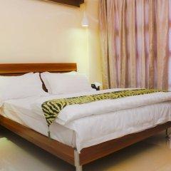 Отель Batuta Maldives Surf View Guest House Мале комната для гостей